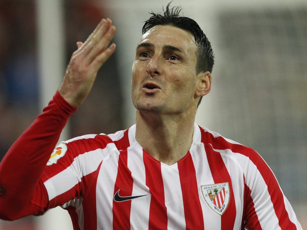 Football News Bilbao veteran Aduriz signs on until 2019