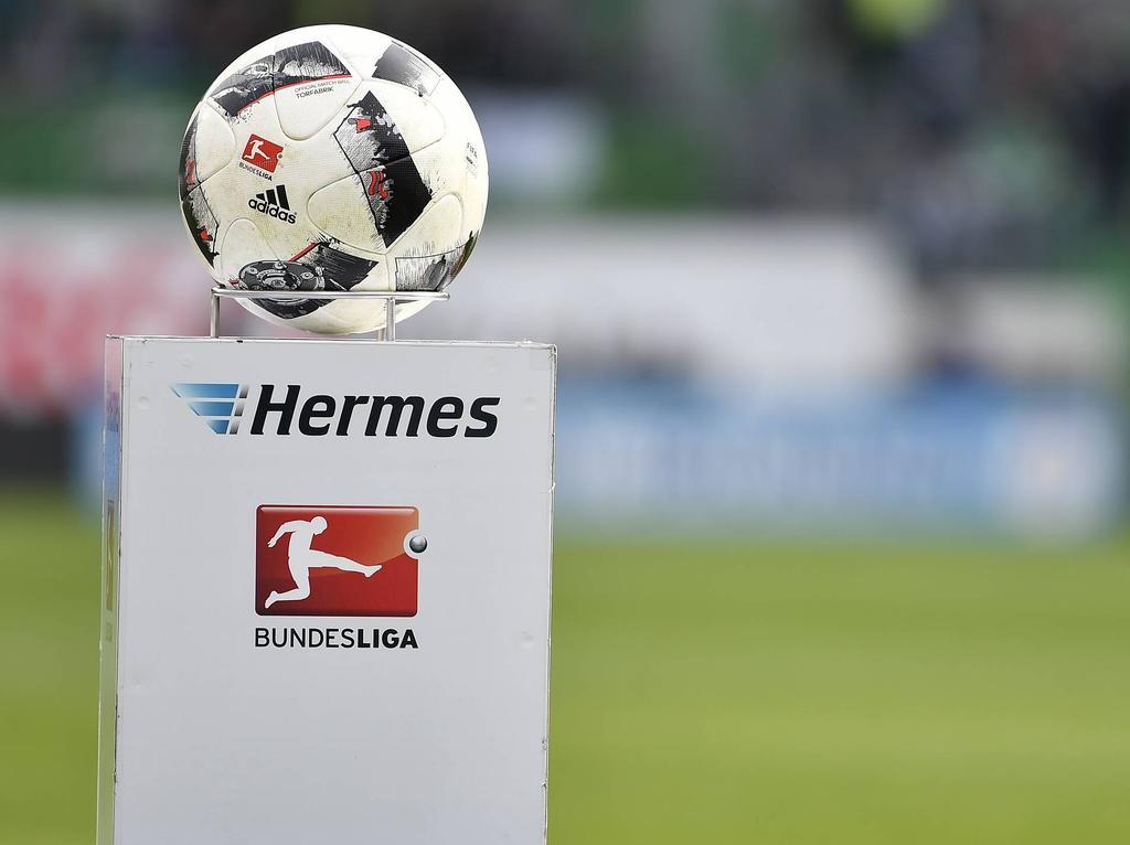 Deutsche Fußball Liga : Clubs der Bundesligen nehmen erste Lizenzierungs-Hürde