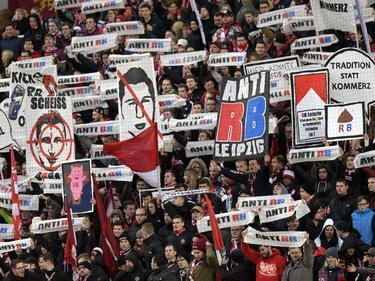 Die FCK-Fans machten mit unschönen Botschaften auf sich aufmerksam