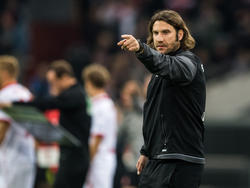 Teammanager Michael Stegmayer stärkt Torsten Frings den Rücken