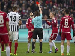 Mathew Leckie sah gegen Eintracht Frankfurt die Rote Kartie