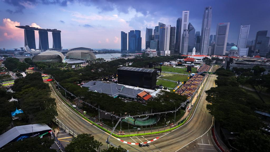 SINGAPUR: Es wird dunkel (17. September, 14:00 Uhr)