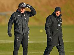 """St. Paulis neuer Cheftrainer Olaf Janßen (r.) will """"oben mitspielen"""""""