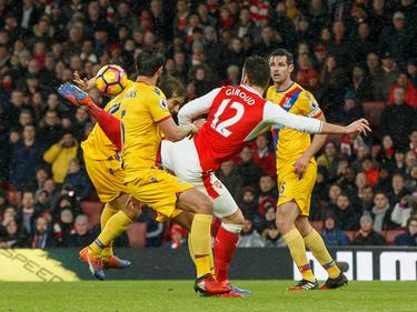 Giroud hizo un golazo. (Foto: Getty)