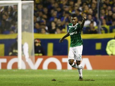 Mateo Casierra scoort razendsnel twee keer achter elkaar in de Copa Libertadores. Tegen Boca Juniors kantelt de spits de wedstrijd eigenhandig. (21-04-2016)