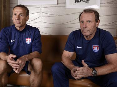 Vogts (r.) kritisiert den Rauswurf von Ex-US-Coach Klinsmann