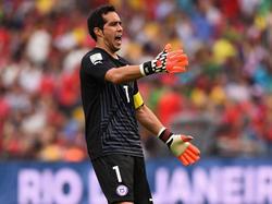 Chiles Torwart Claudio Bravo muss vorerst zuschauen