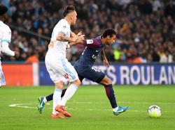Neymar (re.) musste in der 87. Minute vom Platz