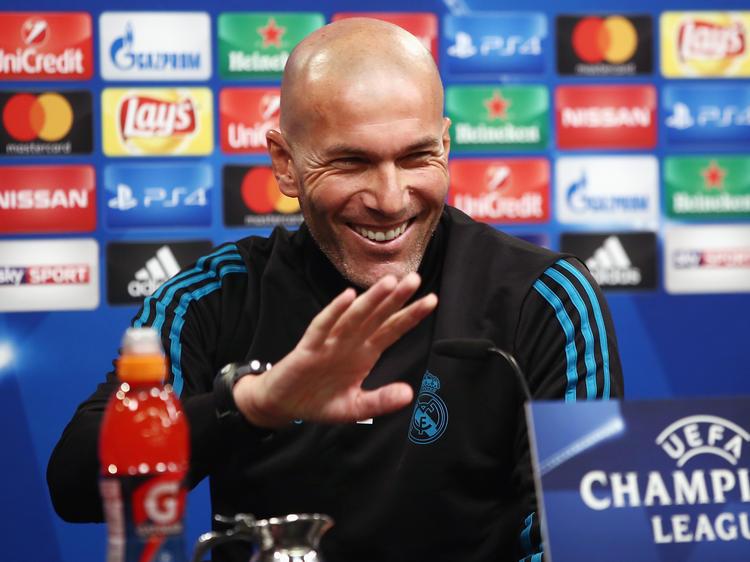 Zidane sonríe en la rueda de prensa previa al entrenamiento. (Foto: Getty)