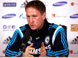 Steve Holland compaginará la selección con el Chelsea. (Foto: Getty)
