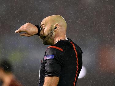 Der Unparteiische Stefan Johannesson entschied das Spiel in Zagreb abzubrechen