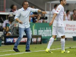 Norbert Meier kassierte mit Darmstadt 98 zum Auftakt eine Niederlage