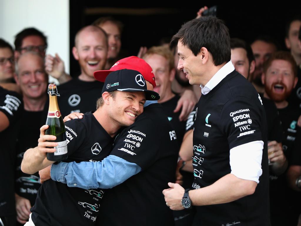 Nico Rosberg (l.) und sein Chef Toto Wolff pflegen ein inniges Verhältnis