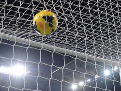 Der Ball zappelte bei der Partie zwischen Santander und Almeria zwei Mal im Tor