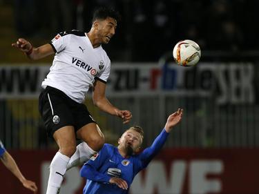 Aziz Bouhaddouz stürmt in der kommenden Saison für St. Pauli