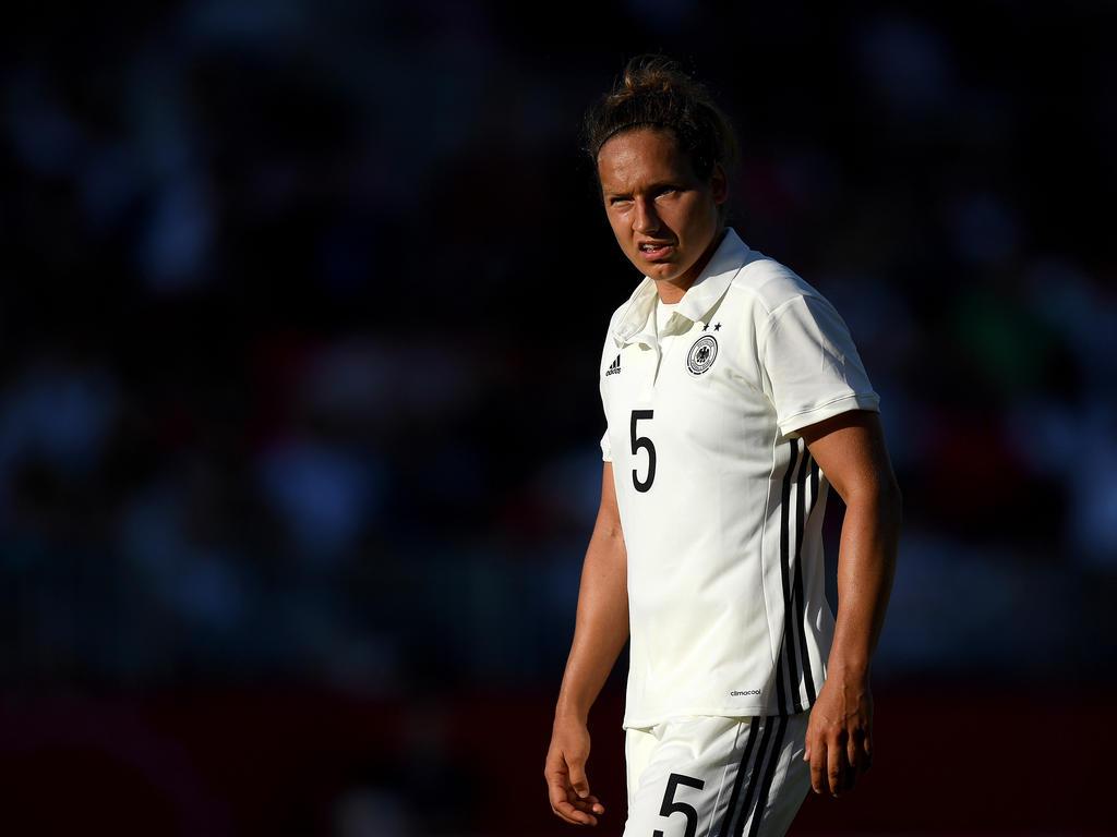ABWEHR: Babett Peter | 29 Jahre alt (VfL Wolfsburg)
