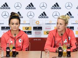 Lina Magull und Carolin Simon spielen in der Bundesliga für den SC Freiburg