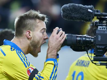 Andriy Yarmolenko brachte die Ukraine in Führung - und feierte ausgiebig