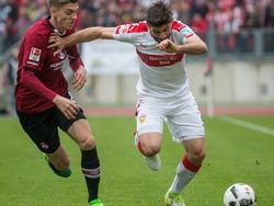 VfB-Abwehrspieler Insúa wünscht sich noch weitere Neuzugänge mit Bundesliga-Erfahrung