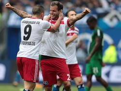 Dennis Diekmeier (re.) möchte (vorerst) kein Tor für den HSV schießen