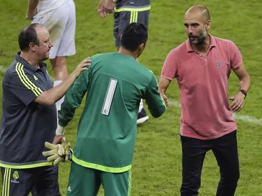 Pep Guardiola (r.) sollte Rafa Benítez' (l.) Nachfolger werden
