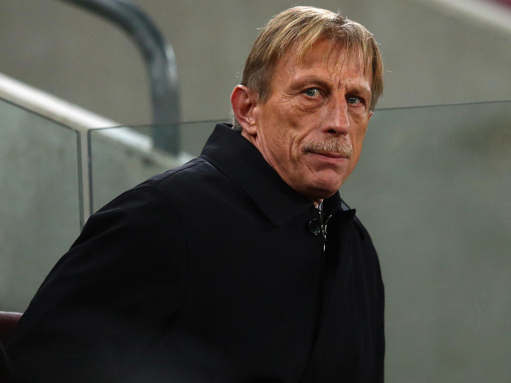 Fußball | Rumäniens Fußballverband erwägt Rauswurf von Trainer Daum