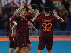 Roma-Profi Leandro Paredes (l.) soll beim BVB im Fokus stehen