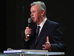 Ottmar Hitzfeld befürwortet die Spannung im neuen WM-Modus