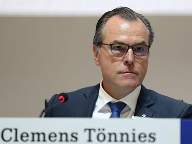 Wurde am Sonntag wiedergewählt: Clemens Tönnies
