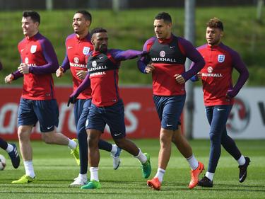 Jermain Defoe (M.) bereitet sich auf sein Comeback mit der Nationalmannschaft vor