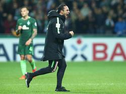 Alexander Nouri darf nach dem Pokalsieg endlich wieder durchatmen