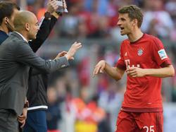 Im Rückspiel des CL-Halbfinals dürfte Pep Guardiola (l.) wieder auf Thomas Müller setzen