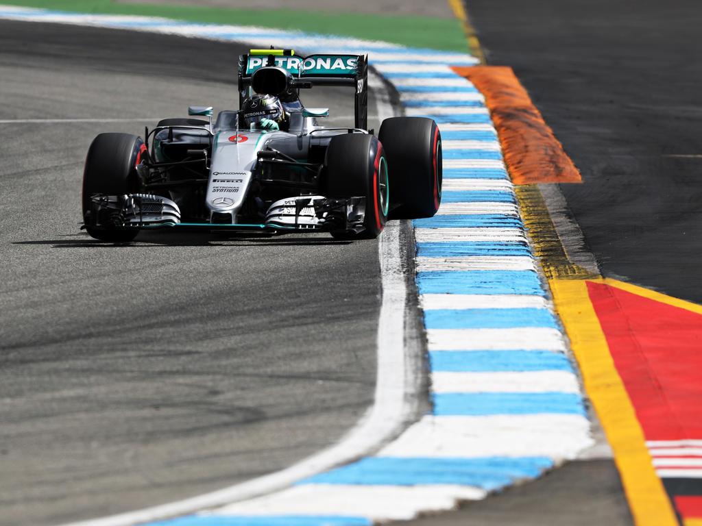 Nico Rosberg fährt in Hockenheim auf die Pole Position