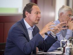 Schiedsrichter-Manager Hellmut Krug plädiert für Videobeweis