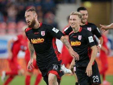 Marvin Knoll (l.) traf zum zwischenzeitlichen 1:0 für Regensburg