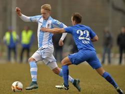 Jannik Bandowski (l) will nun in Bochum wieder durchstarten