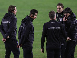 Miroslav Klose (2.v.r.) ist als Trainer-Azubi zurück beim DFB