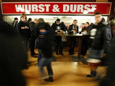 Günstige Wurst und billiges Bier gibt es in Aue, beim VfB Stuttgart bleibt alles eher teuer