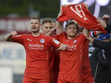 Andreas Voglsammer (re.) bringt Bielefeld in Führung