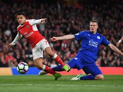 Robert Huth (r.) kritiserte Arsenals Alexis Sánchez