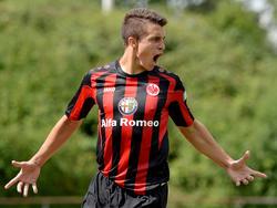 Eintracht Frankfurts Marc-Oliver Kempf soll bei einem anderen Klub Spielpraxis sammeln