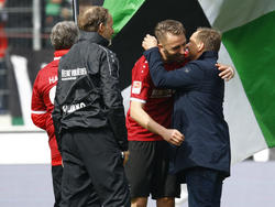 Horst Heldt (r.) und Hannover wollen den direkten Wiederaufstieg