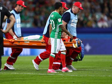 Carlos Salcedo musste gegen Neuseeland vom Feld getragen werden