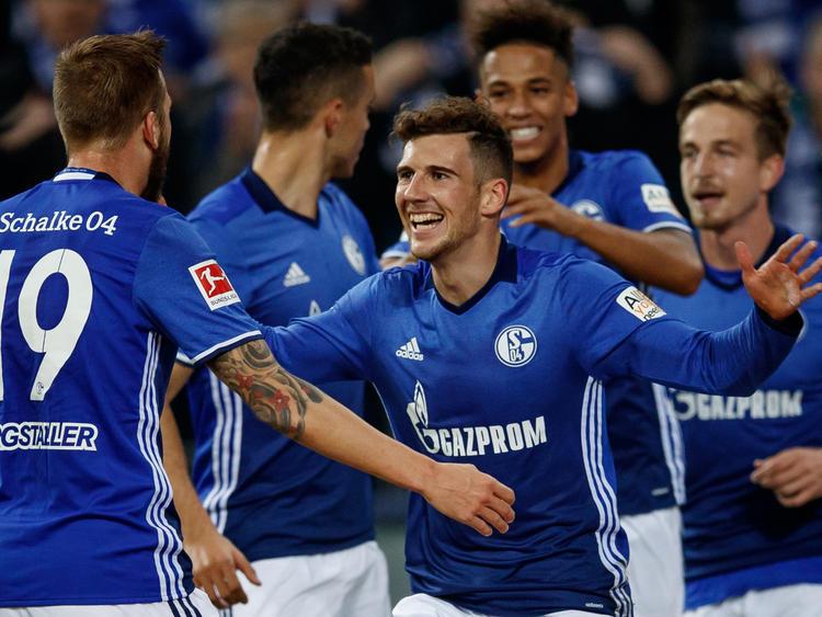 Leon Goretzka (M.) war einmal mehr der Sieg-Garant für Schalke 04