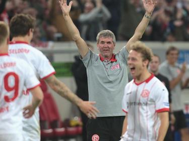 Coach Friedhelm Funkel freut sich über den guten Lauf der Fortuna
