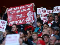 Fans fordern die Ablösung von Arsène Wenger bei Arsenal