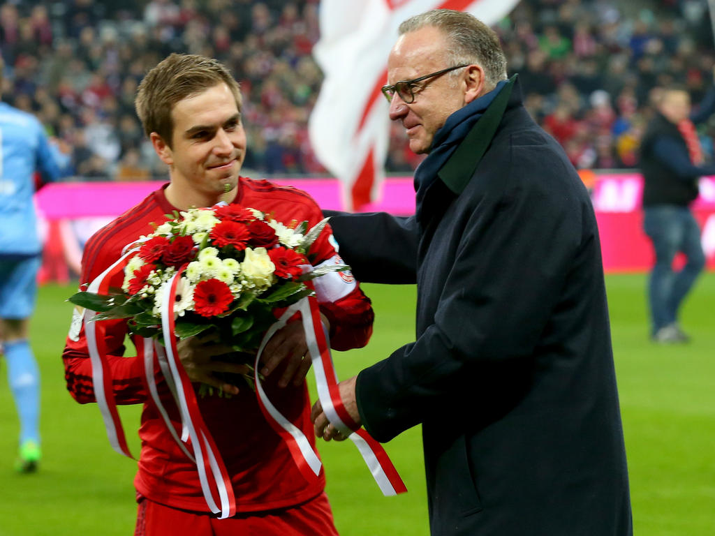Karl-Heinz-Rummenigge (r.) vertraut der Entscheidung von Philipp Lahm
