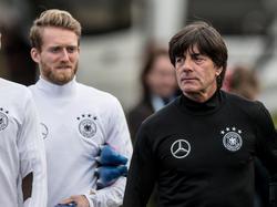 Joachim Löw lobt und unterstützt André Schürrle