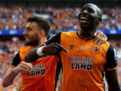 Ich war's: Momo Diamé (r.) schoss Hull zurück in die Premier League