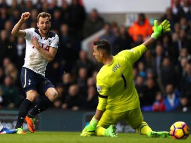 Kane se puso en la punta de los máximos goleadores de la Premier. (Foto: Getty)